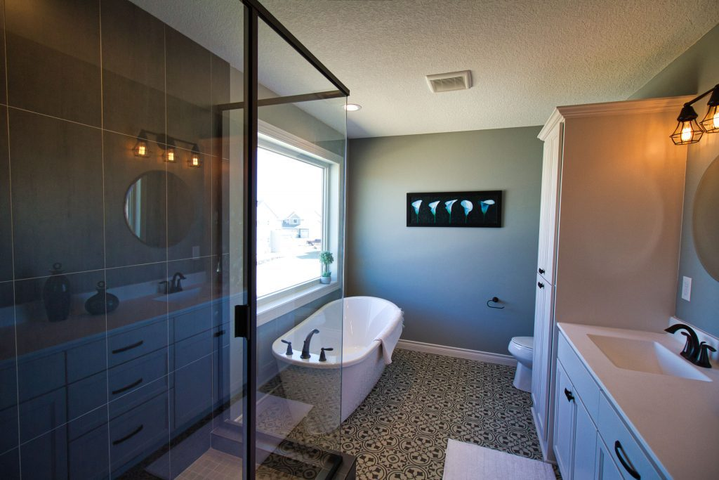 luxury Master Bath in a luxury custom home built by custom home company xpand inc