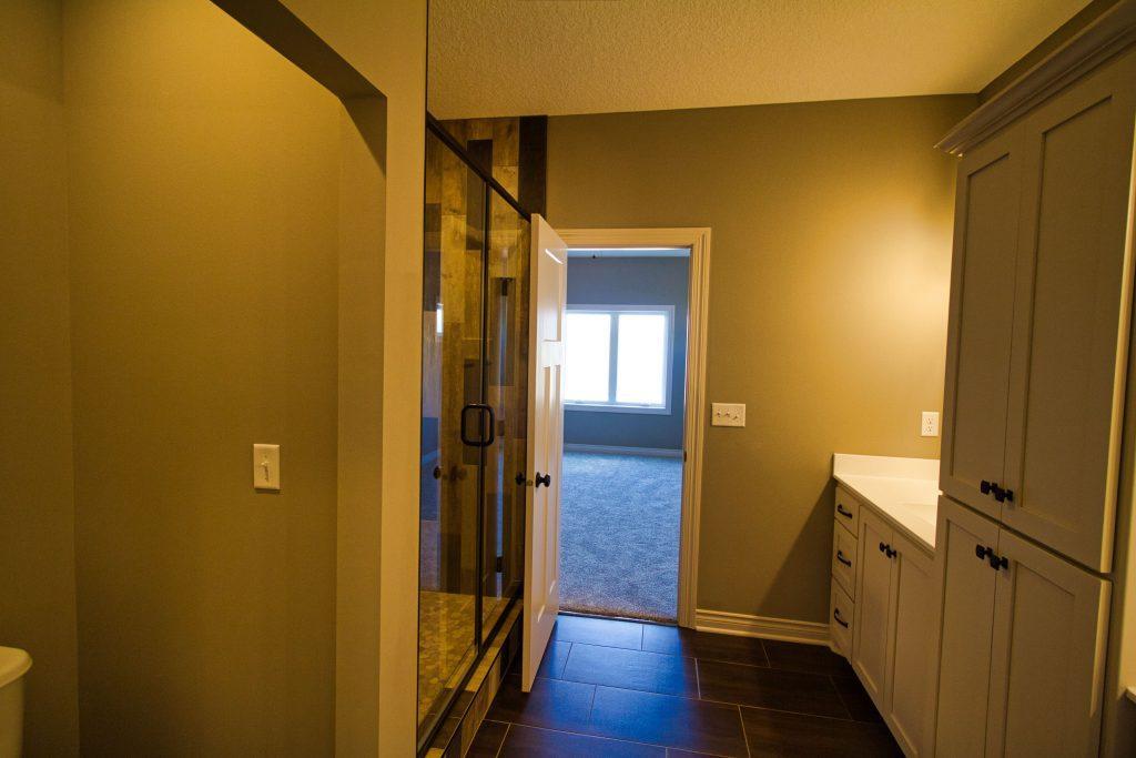Bathroom to hallway