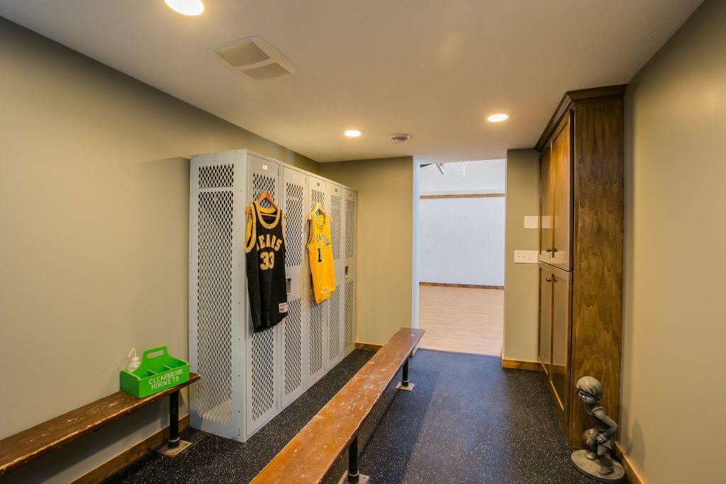 029_Locker Room
