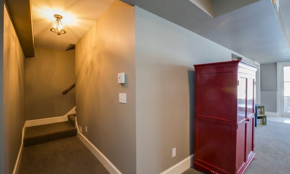 022_Stairway-Hallway LL (1)